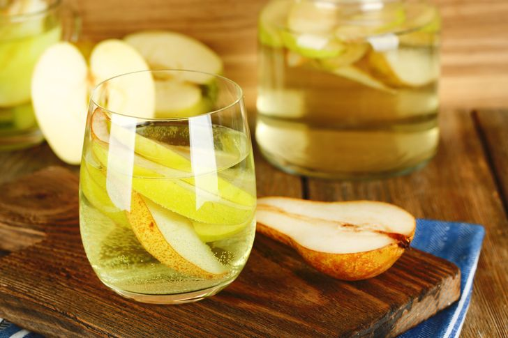Pear and sage drink